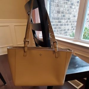 Tory Burch York Buckle Saffiano Tote French Gray